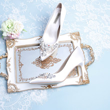 Light luxury bridal shoes white silk girl stiletto single shoes pointed French rhinestones vintage pearl fairy high heels(China)