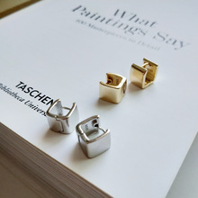 925 Silver Square Wide Edition Huggies Earring Button Ear Nail Fashion Woman Hoop Earrings Party Elegant