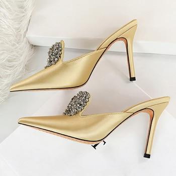 Luxury 10.5cm Crystal Silk Satin Closed Toe Slip On Heels 1