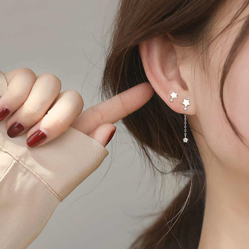 귀여운 실버 작은 스타 체인 귀걸이 925 여성을위한 비대칭 지르콘 펜던트 스타 패션 걸스 귀 선물 쥬얼리
