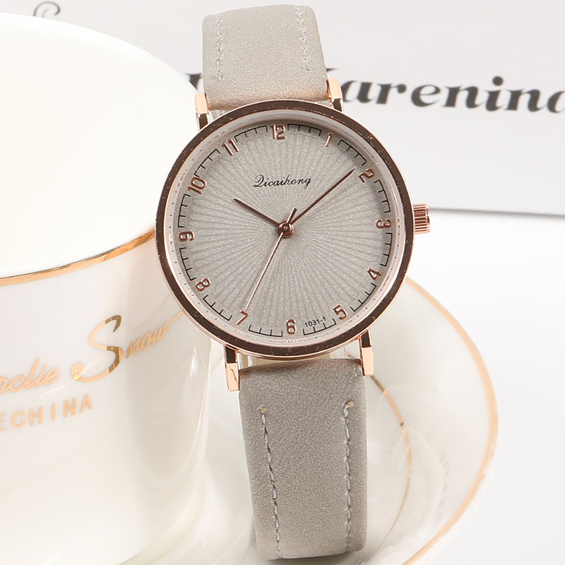 2019 New Casual Women's Watches Fashion Ladies Quartz Watch For Women Simple Exquisite Bracelet Gift Clock Leather Wristwatch
