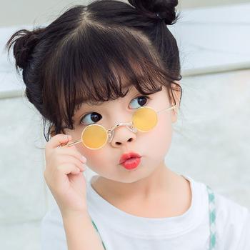 2020 Fashion Designer okulary przeciwsłoneczne dla dzieci dzieci metalowa mała ramka okrągłe okulary przeciwsłoneczne dla dziewczynek chłopcy Lentille De Couleur tanie i dobre opinie KOTTDO CN (pochodzenie) Dziewczyny ROUND ALLOY UV400 Akrylowe 3914