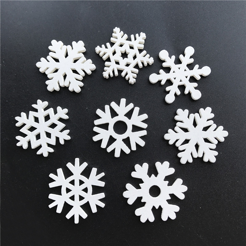 50pc 35mm Mix Shape Wooden White Snowflakes Christmas Ornaments Xmas Wood Pendants New Year Christmas Angel Decorations for Home