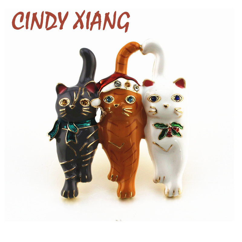 CINDY XIANG New Three Christmas Cat Brooches Cute Vivid Animal Pin Fashion Women And Men Brooch Party Jewelry Kids Gift 2019