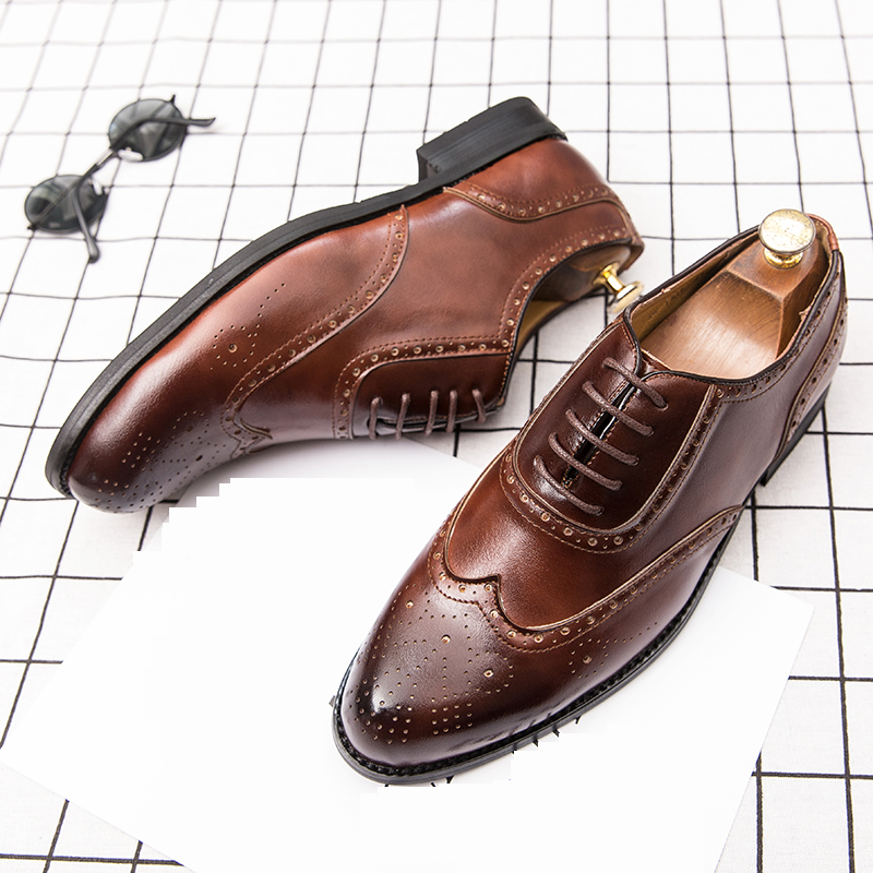 Image 4 - 2020 Men Dress Shoes Gentleman Bullock Paty Leather Wedding Shoes Men Flats Leather Oxfords Formal ShoesFormal Shoes   -