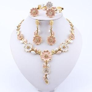 Image 5 - Dubai Insieme Dei Monili per Le Donne Abito Da Sposa Accessori Oro di Colore A Forma di Fiore Orecchini Della Collana Del Braccialetto Anello Set