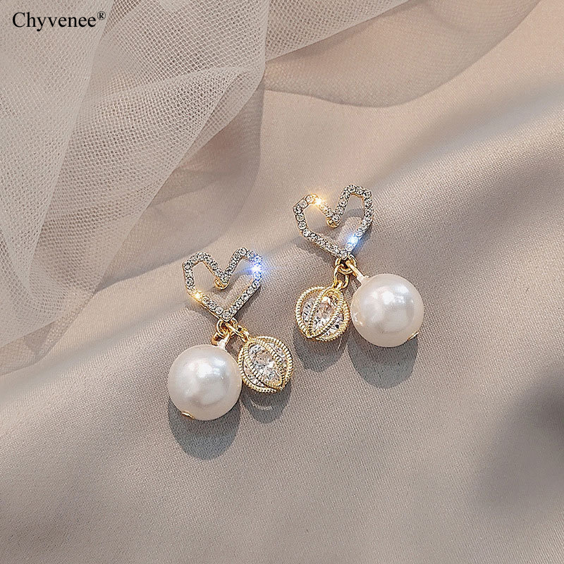 Женские серьги подвески с жемчугом кристаллами