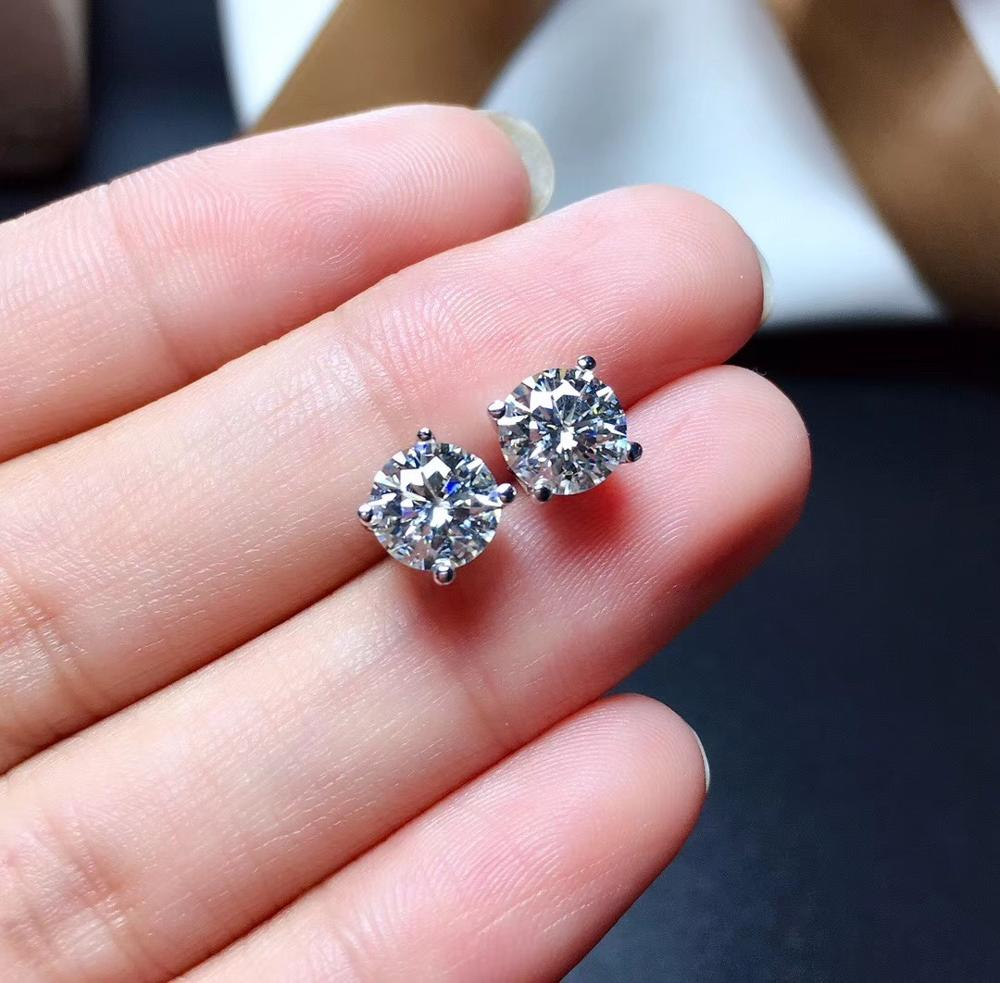 D  VVS  Moissanite Ear Studs Very Classic Style, Good Color. 925 Pure Silver. Gra Certificate Black Card Waist Code