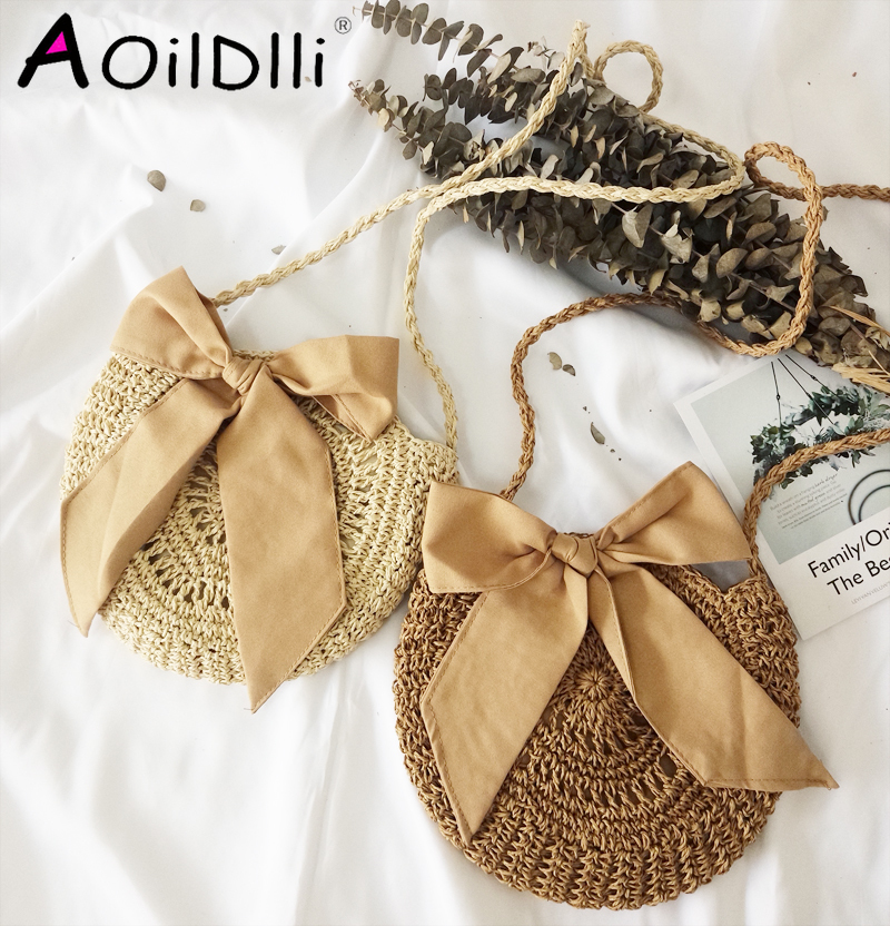 2020 New Summer Beach Wind Cute Bow Crossbody Woven Bag Handmade Crochet Round Straw Bag Female Bag Beach Bag