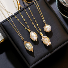 Fashion Metal Twist Baroque Pearl Pendant Necklace Women Short Choker Jewelry Personality Collares Gifts