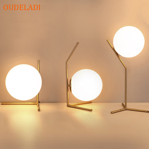 Image 1 - 現代のガラス玉テーブルランプゴールド北欧シンプルな寝室のベッドサイド読書デスクランプ家の装飾 LED テーブルライト Lamparas