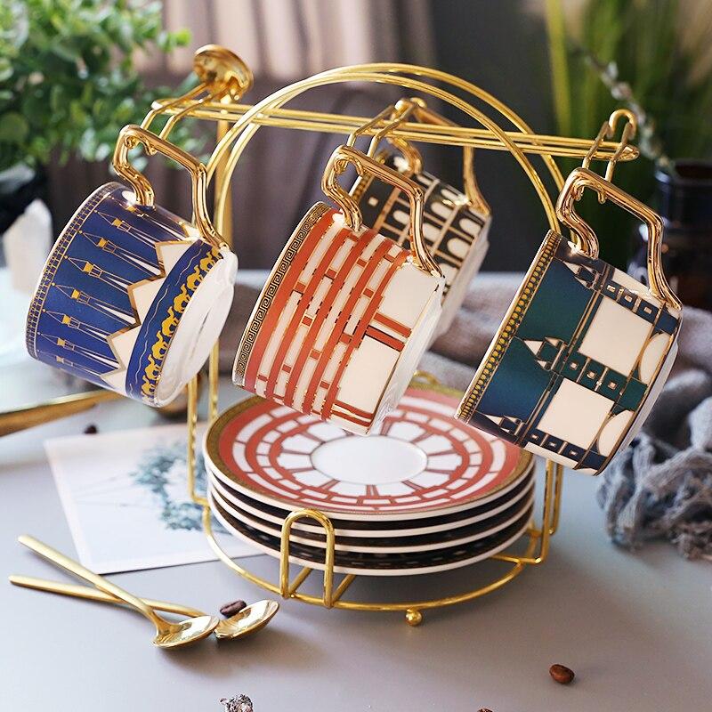Роскошные кофейные кружки в британском и европейском стиле, винтажные цветные королевские маленькие чайные чашки с нефритом и держателем,