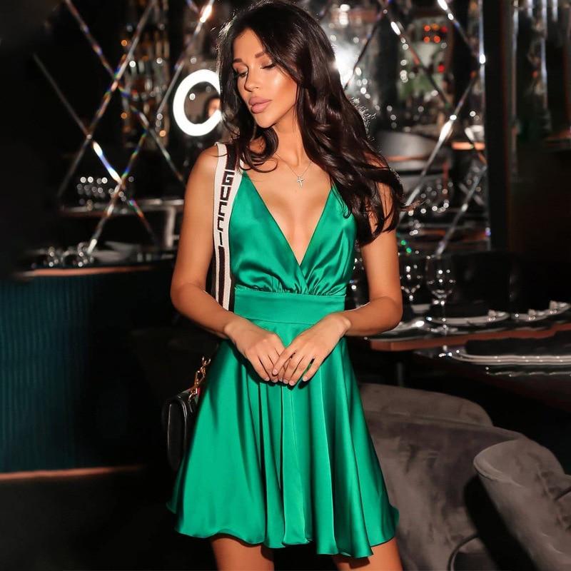 Robe de soirée Satin Sexy dos nu sans manches
