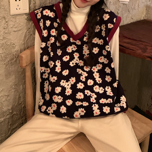 Image 4 - 2019 autumn and winter korean style v neck knitted floral sleeveless vest sweaters womens pullovers womens (C8574)