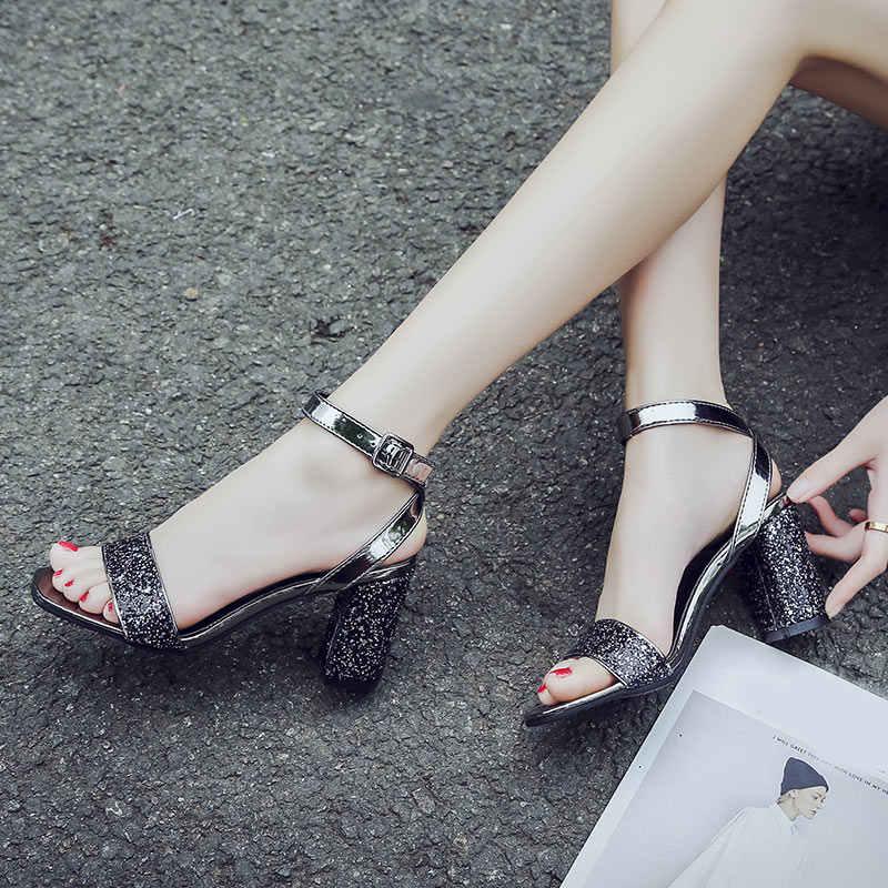Kadın yılan derisi sandalet seksi bayanlar yüksek topuklu serpantin ayak bileği toka kayış burnu açık moda kadın renkli yaz kadın ayakkabısı