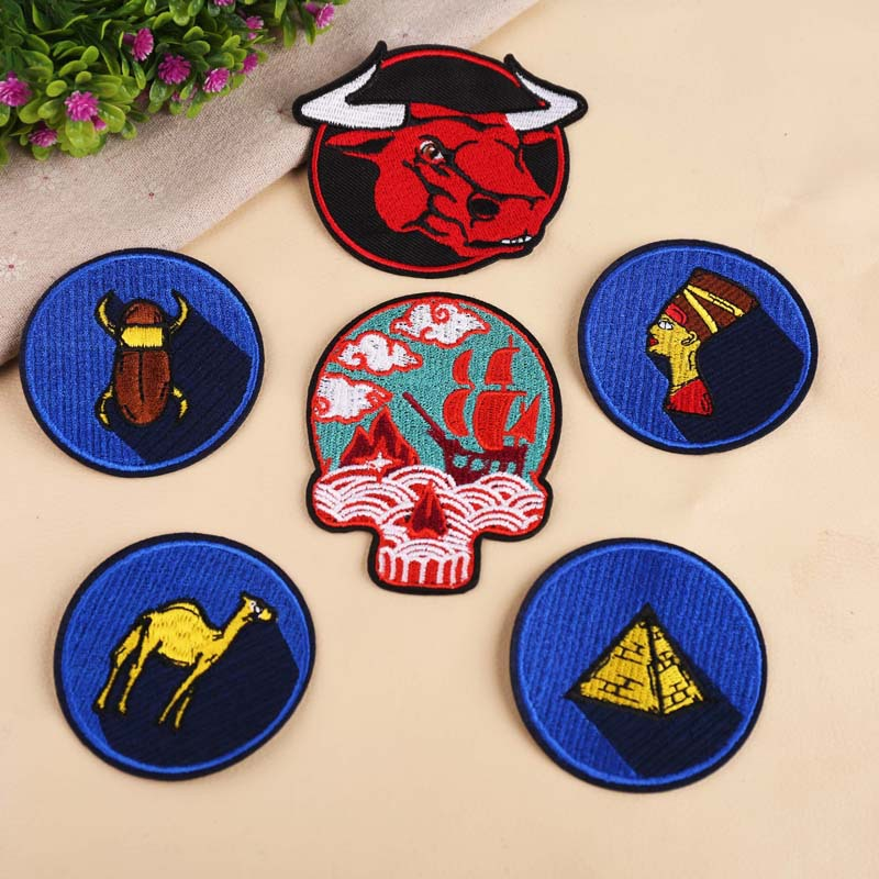 20pcs/lot Embroidery Patches Letters Clothing Decoration Accessories Strange Things Bull Shadow Skull Diy Iron Heat Transfer