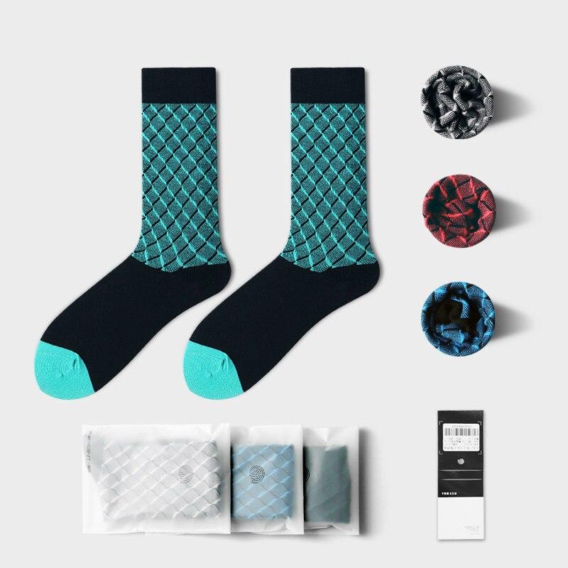 1 Pair Crew Socks For Men Mid Length Male Office Gentlemen Socks Elegant Gift Casual London Street Wear Plaid Socks Big Foot Hot