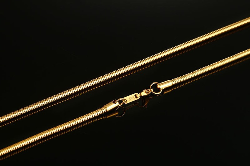Stylish Gold Snake Chained Necklace for Men