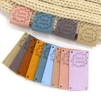 20 sztuk wieniec ręcznie robione tagi włókno skórzane etykiety na ubrania ręcznie robione etykiety materiały do szycia ręcznie wykonane rzemiosło dla czapki torba buty tanie i dobre opinie CN (pochodzenie) Nadające się do prania XF-PB-L Etykiety w kształcie flag Znaczki do odzieży TŁOCZONA DO ODZIEŻY TORBY