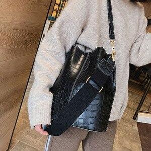 Image 3 - 패션 양동이 핸드백 여성 캐주얼 토트 메신저 가방 악어 패턴 Crossbody 가방 대용량 레트로 숄더 가방 여성
