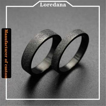 Stylowe tytanowe stalowe pierścienie dla kobiet czarne szlifowanie proste miłośników stalowe pierścienie wysokiej jakości Fadeless nie alergiczne tanie i dobre opinie Loredana CN (pochodzenie) STAINLESS STEEL MIŁOŚNICY Metal TRENDY Obrączki ślubne ROUND Zgodna ze wszystkimi Poprawiające nastrój