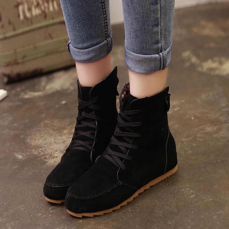 Sıcak bayanlar çizmeler yuvarlak ayak düz ayakkabı Martin çizmeler kadın botları katı Lace Up bayan rahat ayakkabılar rahat sonbahar ayakkabı