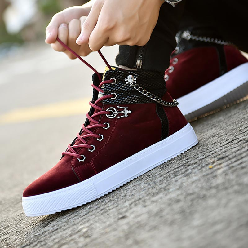 New Men Canvas Shoes Fashion Metal Chain Sneakers Shoes Men Comfortable Flock High-top Lace-up Outdoor Flats Sports Shoes