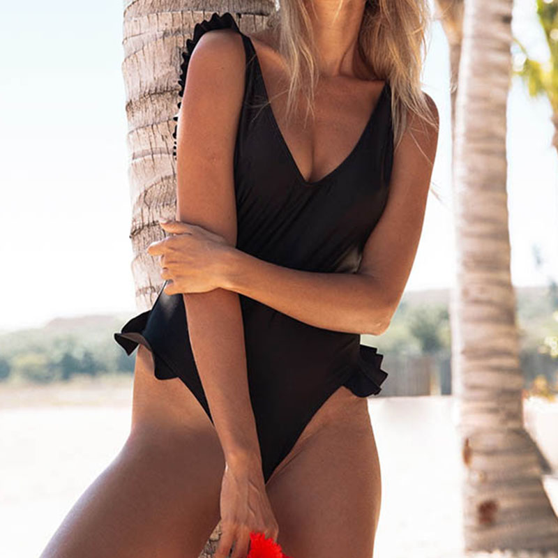 Sexy Shoulder Ruffle One Piece Swimsuit Women 2018 Halter Push Up Swimwear Bathing Suits Beach Wear Backless Monokini Ladies