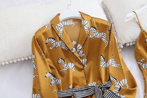 Image 4 - Wiosna kobiety lodu jedwabne piżamy zestawy z spodnie satynowe Zebra druku piżamy kobiet Sexy Spaghetti pasek piżamy 3 sztuk do noszenia w domu