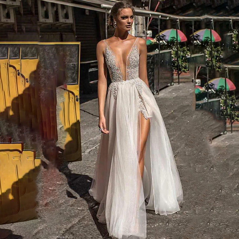 Boho Wedding Dresses 2020 Sexy V Neck High Split Slit Tulle Beach Wedding Gown Lace Appliqued Backless Bridal Dress