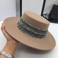 New winter wool Flat hat little hat of camel's hair M hat ms Korea Europe and the United States wind restoring ancient ways is