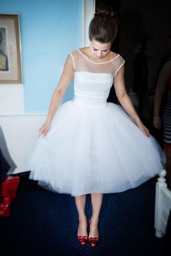 Vestido De Noiva Para Casamento Cap Sleeve Tea Length Short Scoop Neck Tulle Vintage Ball Bridal Gown 2018 Bridesmaid Dresses