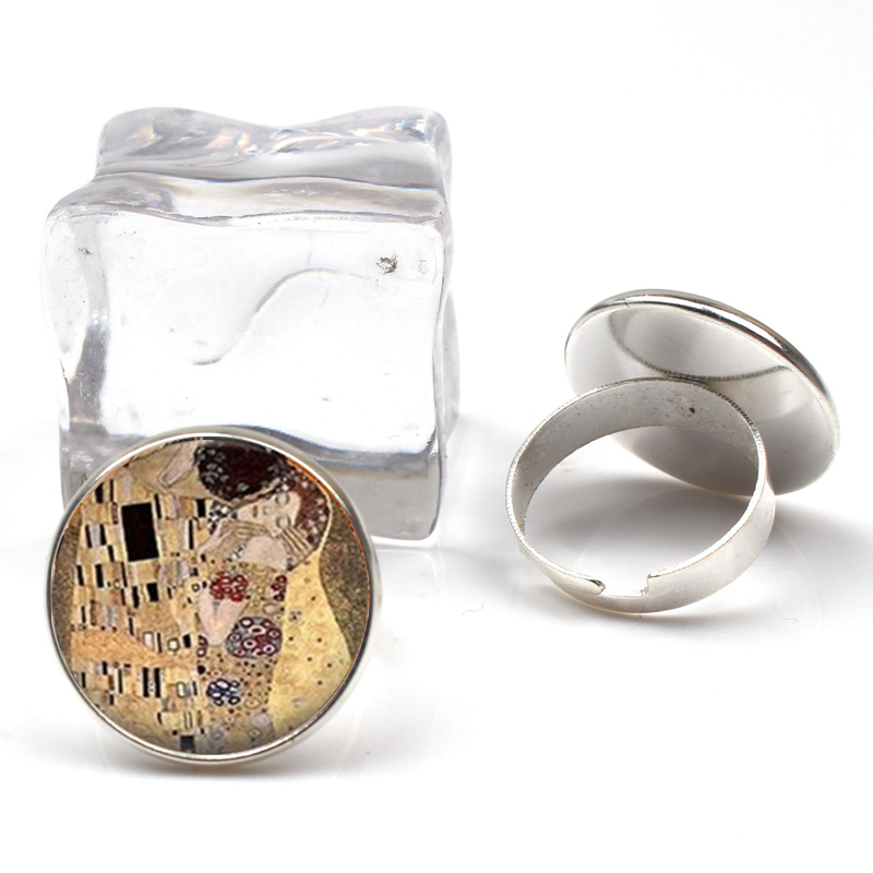 New Fashion Kiss Klimt Embossed Glass Art Picture Ring Handmade Jewelry Adjustment Size Ring Charm Girl Gift Cute Sourvenir in Rings from Jewelry Accessories