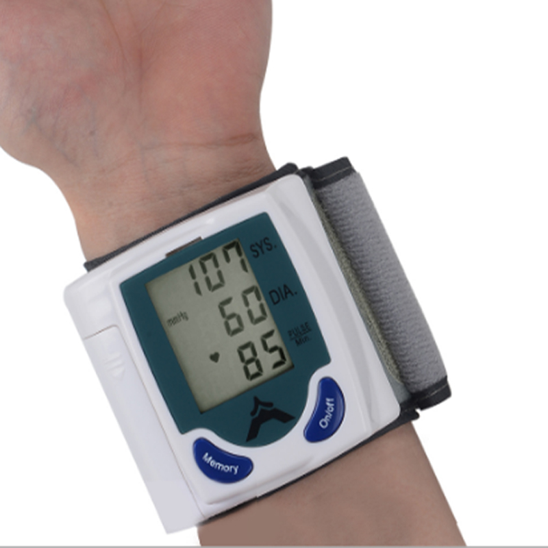 Automatic wrist electronic blood pressure monitor English cuff sphygmomanometer wrist monitor blood pressure measurement
