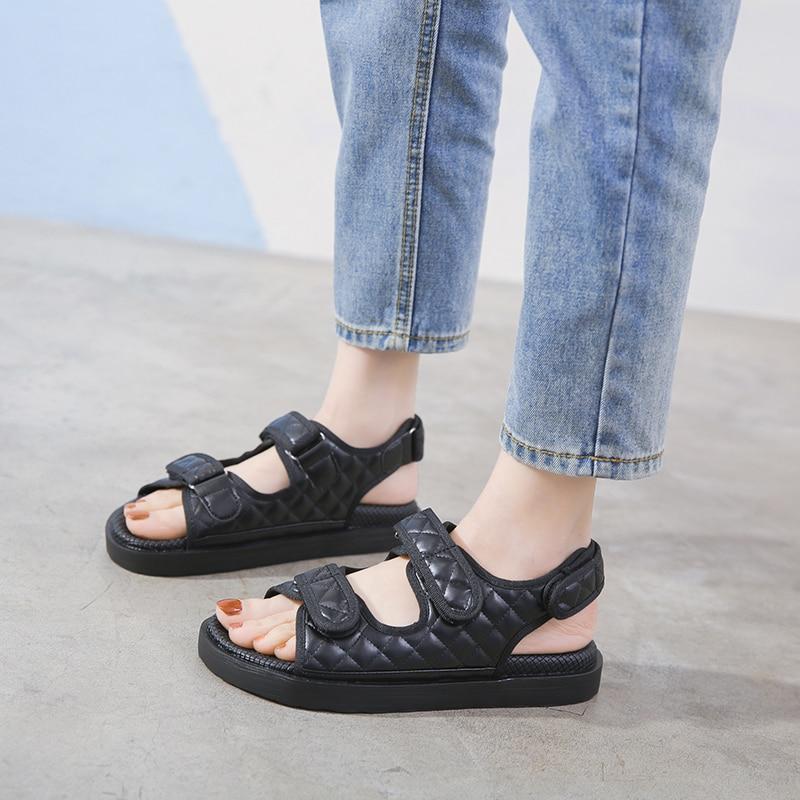 2020 Summer New Platform Lightweight Elegant Casual Flat Outdoor Sports Sandals Retro Fashion Womens Black Beach Shoes Anti-Slip