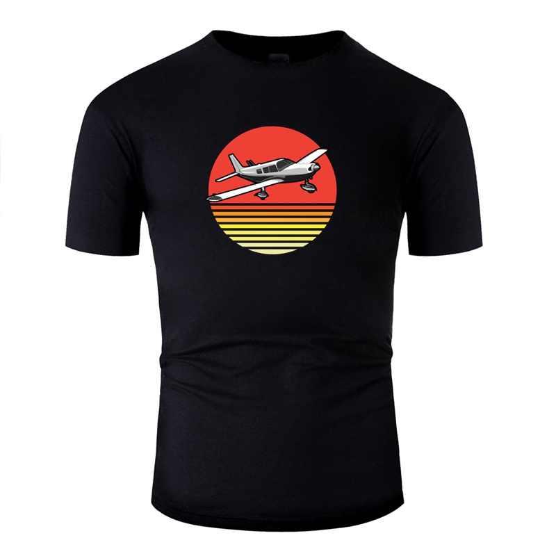 เสื้อยืดผู้ชายผ้าฝ้ายการ์ตูนสาวการบิน-Piper Pa28 Retro เสื้อยืดลูกเรือคอสีทึบแขนสั้น