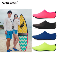 Men Women Water Shoes Swimming Shoes Solid Color Summer Aqua Beach Shoes Socks Seaside Sneaker slippers For Men zapatos hombre cheap STOUREG Fits true to size take your normal size Spring2018 Slip-On Beginner Quick-Drying Stretch Fabric Rubber Suitable for Asian M