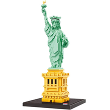 цена Zhenwei Statue of Liberty Nano Blocks Set 2510 Pcs World Famous Architectural Model Toys for Kid DIY 3D Model Diamond Bricks онлайн в 2017 году