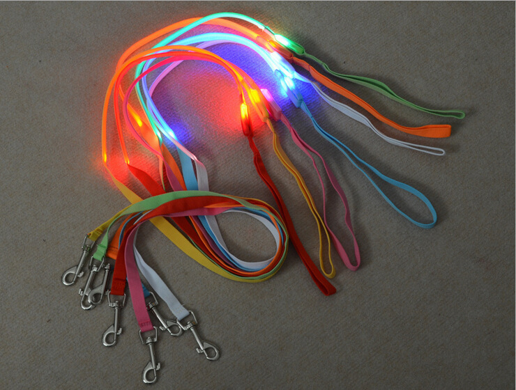 1.5 Cm Pet Traction Supplies Shining LED Dog Rope Traction Belt Hand Holding Rope Flash Sling Dog Traction Rope Sling