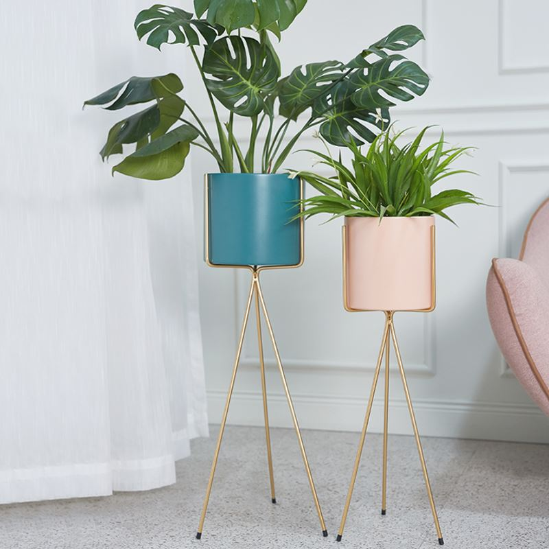Nordic Luxury Floor Plant Stand For Living Room Creative Gold Iron Plant Stand Indoor Flower Metal Stand Balcony Metal Shelf