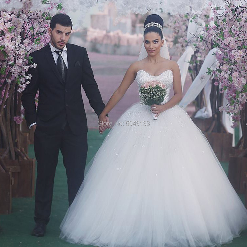 Beading Ball Gown Tulle Wedding Dresses With Pearls 2020 Off The Shoulder Vestido Noiva Sparkly Princess Bride Gowns Sleeveless