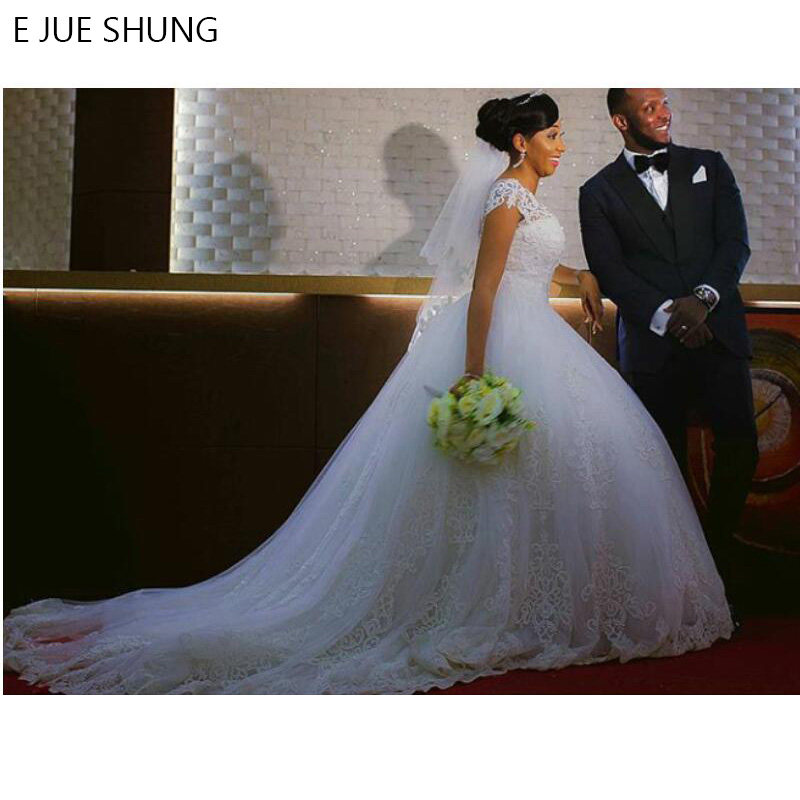 E JUE SHUNG Vintage Lace Appliques Ball Gown Wedding Dresses 2019 Short Sleeves Cheap Wedding Gowns Bride Dresses
