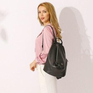 Image 2 - Zency 100% en cuir véritable quotidien sac à dos décontracté pour les femmes classique noir étudiant cartable Vintage dame sac à dos de haute qualité