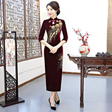 Manufacturer directly provides 2019 new cheongsam Hand Beaded Velvet cheongsam long-term Vintage banquet cheongsam skirt(China)