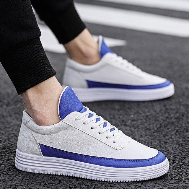 Mężczyźni biały płaskie buty sznurowane wygodne skórzane Sneaker dla mężczyzn Tenis Masculino Adulto najwyższej jakości mężczyźni koreańskie buty nieformalne