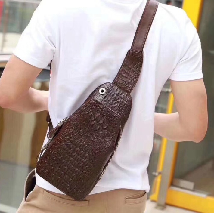 difutouzi focus high quality  crocodile leather  Small breasts package  fashion classic  business  Package mail men chest bag