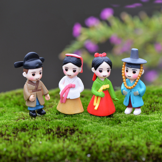 Lovely Figurine Long Lovers Christmas Decorations for Home Halloween Wedding Kitchen Decoration Fairy Garden DIY Christmas Gift 2