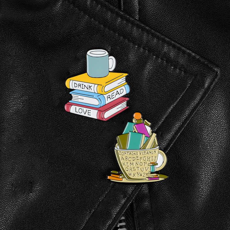 Buku dan Cangkir Enamel Pin Suka Membaca Buku Minum Kopi Bros Reader Kutu Buku Lencana Lucu Kartun Perhiasan Hadiah Grosir