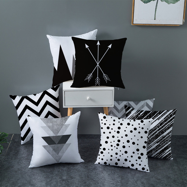 Geometric Patterned Black and White Cushion Cover 1