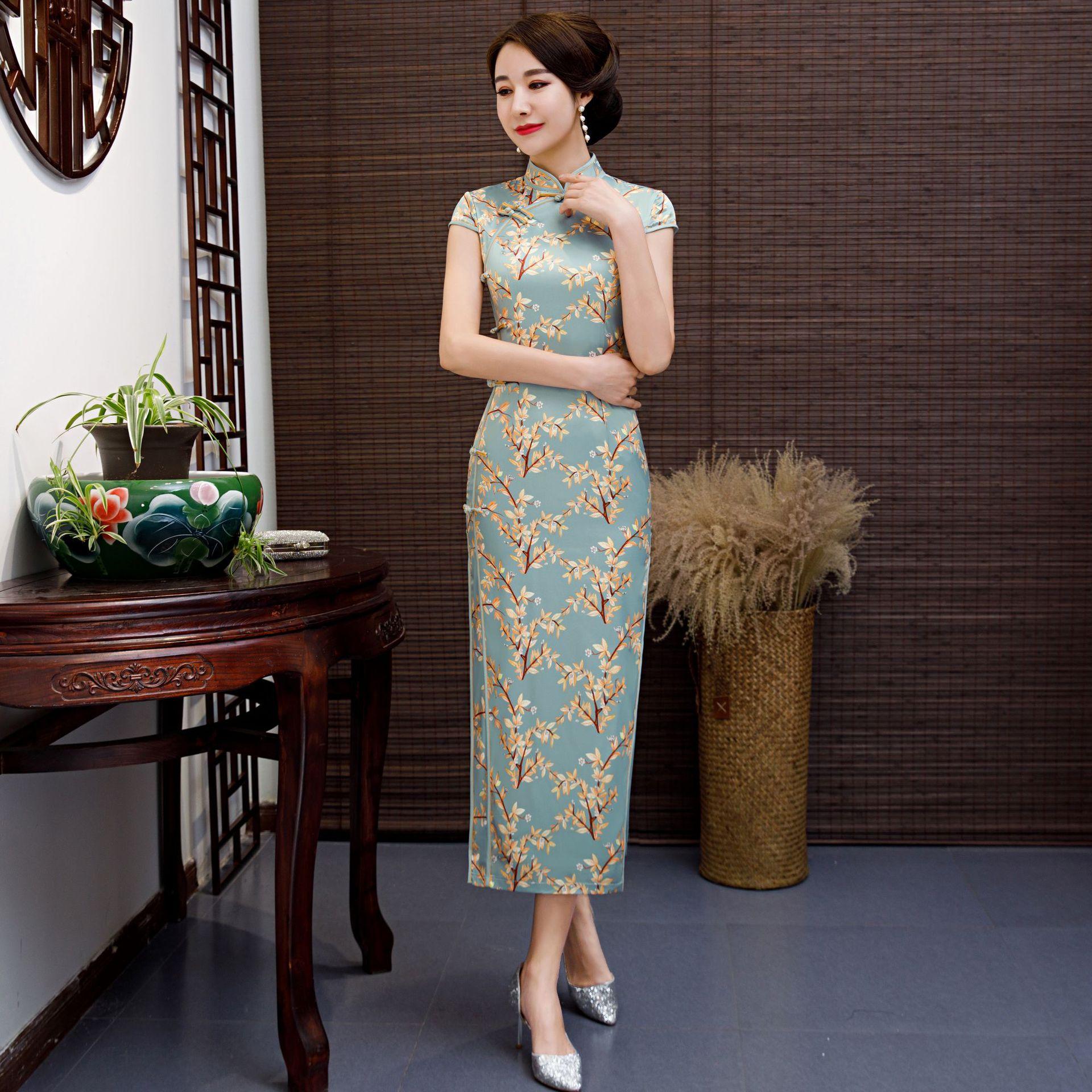Bleu chinois robe traditionnelle femmes soie Satin Cheongsam Vintage Qipao été à manches courtes robe longue imprimé fleur grande taille